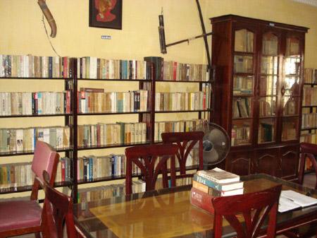Một góc nhỏ của quán cà phê sách của ông Thành