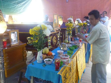 Đám tang các nạn nhân trong gia đình ông Trần Văn Bê.