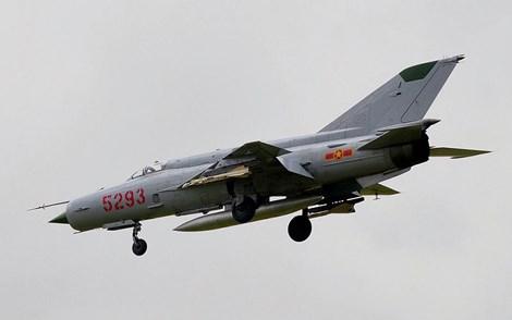 Tính năng bay của MiG-21 ngang ngửa F-4, nhưng radar và vũ khí đều thua kém.