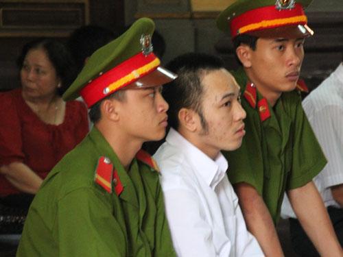 Để có tiền tiêu xài, Lê Minh Trường đã gây nên 2 cái chết oan khiên