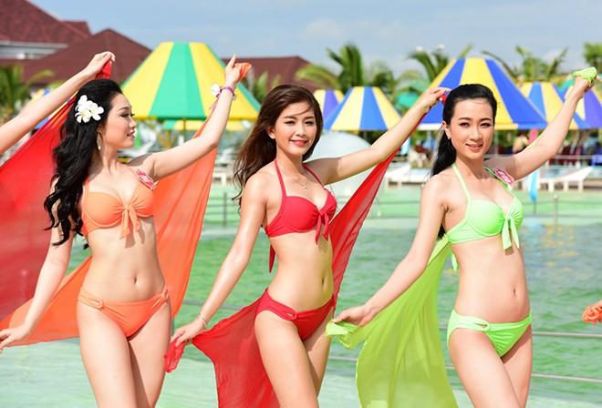 Dàn thí sinh Hoa hậu Việt Nam nóng bỏng với bikini
