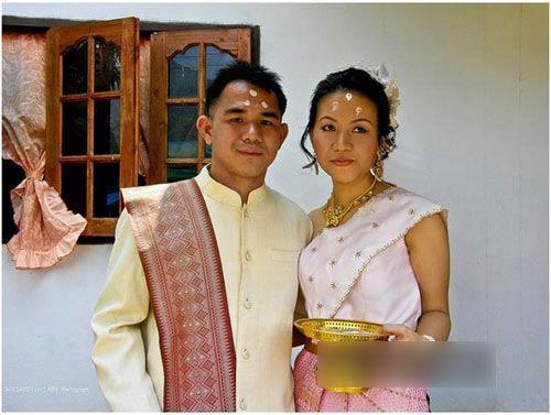 Những tục lệ cưới xin kỳ quặc ở nước ngoài - 1