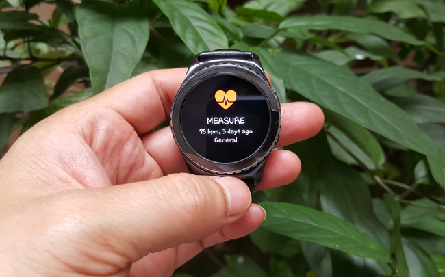 tren tay smartwatch gear s2 classic chong nuoc hinh anh 10