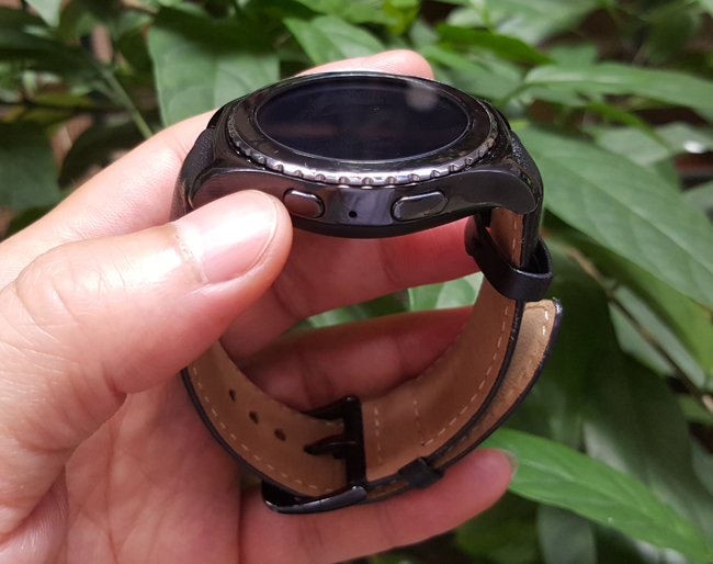 tren tay smartwatch gear s2 classic chong nuoc hinh anh 12