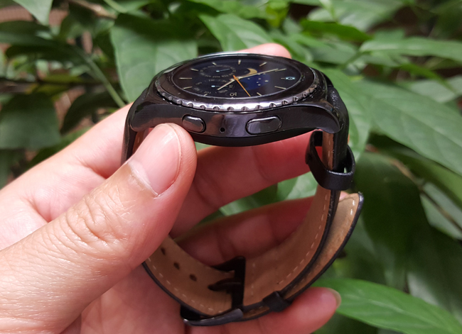 tren tay smartwatch gear s2 classic chong nuoc hinh anh 13