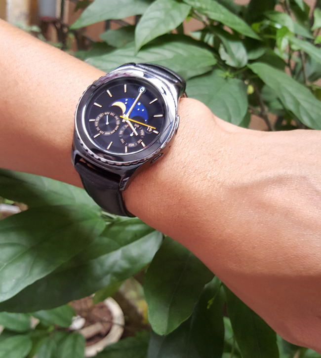 tren tay smartwatch gear s2 classic chong nuoc hinh anh 14