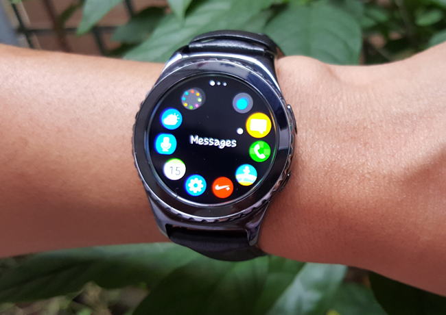 tren tay smartwatch gear s2 classic chong nuoc hinh anh 15