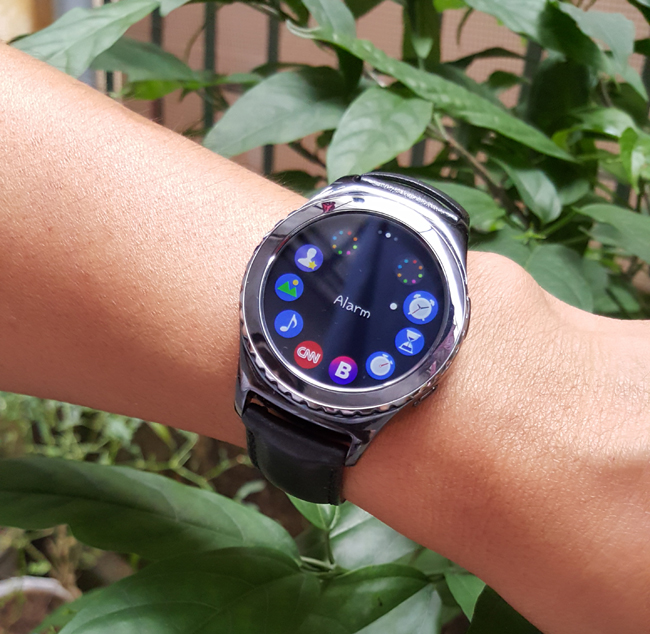 tren tay smartwatch gear s2 classic chong nuoc hinh anh 16