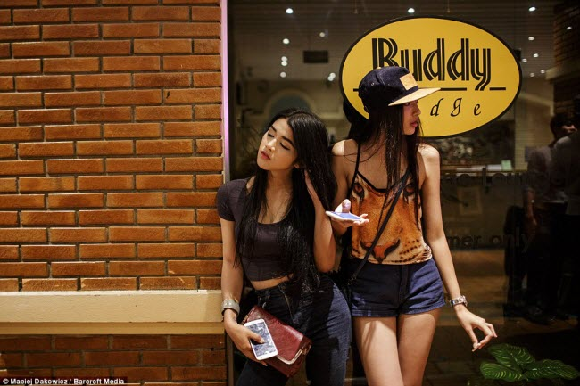 cuoc song nao nhiet ve dem tai pho du lich o bangkok hinh anh 18