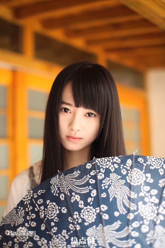 my nu thay the angelababy trong show thuc te an khach la ai? hinh anh 12