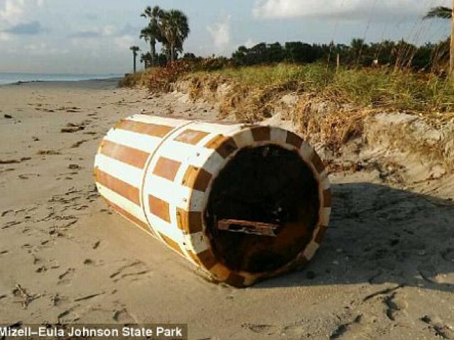 Siêu bão cuốn vật bí ẩn 544 kg từ thời Liên Xô vào Mỹ