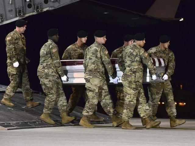 Khoảnh khắc 4 binh sĩ Mỹ chết vì 50 tay súng IS phục kích