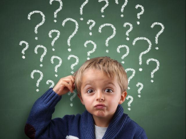 """Gợi ý cha mẹ trả lời kho tàng câu hỏi cực """"hại não"""" của trẻ"""