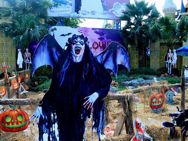 """Những địa điểm vui chơi Halloween """"rùng rợn"""" nhất Hà Nội"""