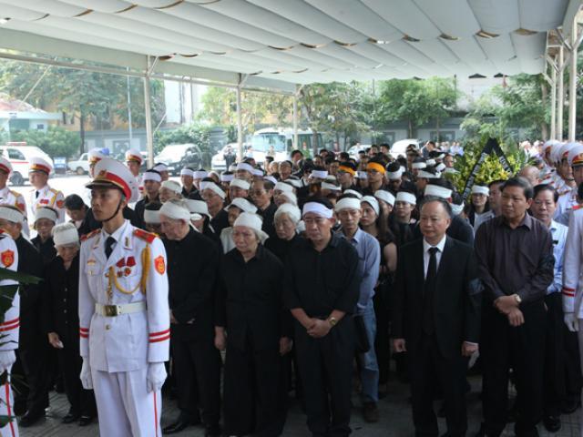 Lễ tang cụ bà hiến tặng Chính phủ 5.000 lượng vàng theo nghi thức cấp cao