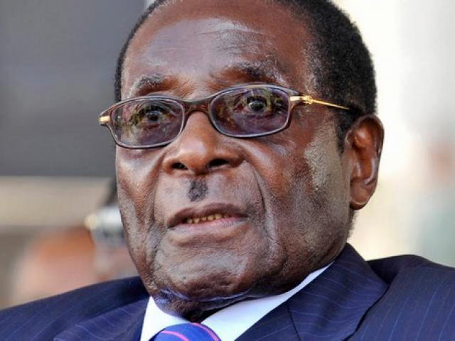 Vì sao Tổng thống Zimbabwe hơn 90 tuổi vẫn khỏe như vâm?