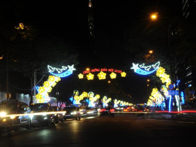 """Trung tâm Sài Gòn """"khoác áo mới"""" trước thời khắc chào đón năm mới 2018"""