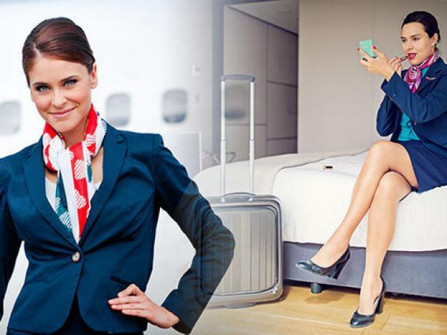 Tiếp viên hàng không tiết lộ điều bí mật của đồng phục váy ngắn
