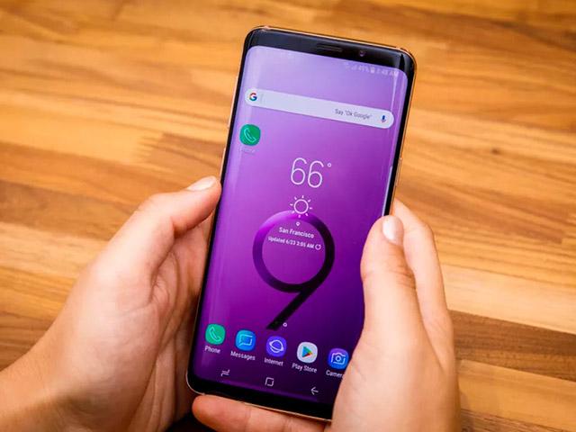 Smartphone Samsung có thể chứa cảm biến máy ảnh và vân tay trên màn hình