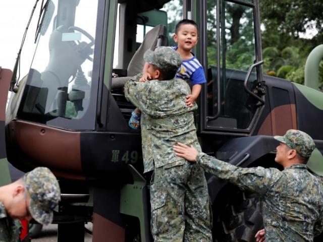 Phản ứng bất ngờ của giới trẻ Đài Loan trước sức ép từ TQ