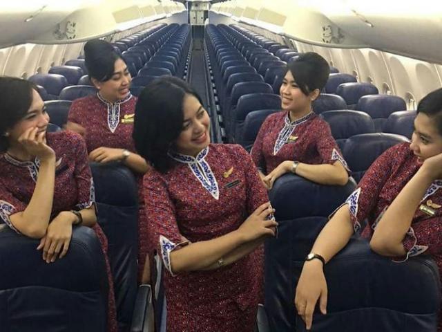 """Mẹ của tiếp viên Indonesia nói thấy """"điềm báo"""" máy bay rơi"""