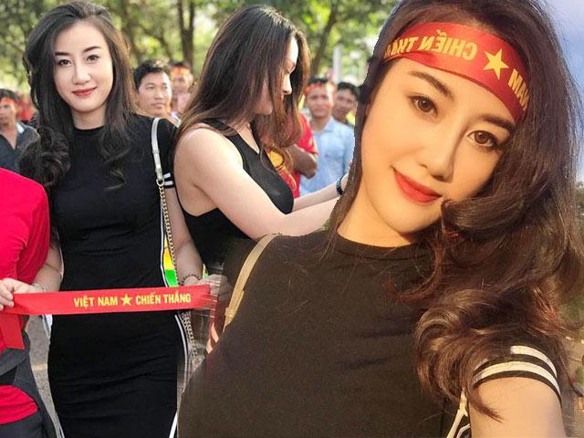 """Fan girl được """"săn lùng"""" sau trận Việt Nam-Lào vì body quá đẹp"""
