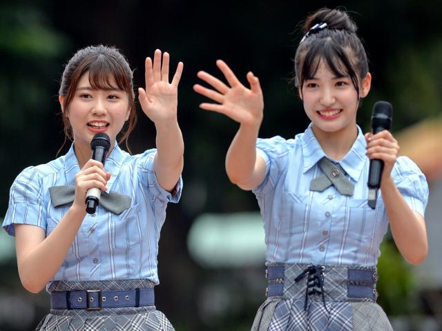 """Nhóm nhạc """"thánh nữ"""" Nhật Bản khiến phố đi bộ Hà Nội tắc nghẽn"""