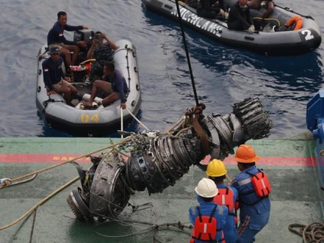Máy bay Indonesia chở 189 người rơi: Nội dung dữ liệu từ hộp đen