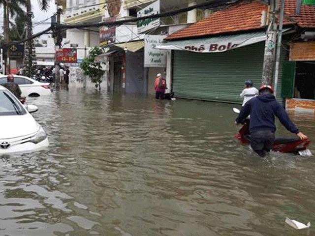 """Toàn cảnh Sài Gòn """"ngập toàn tập"""" sau trận mưa lớn khủng khiếp chưa từng có"""