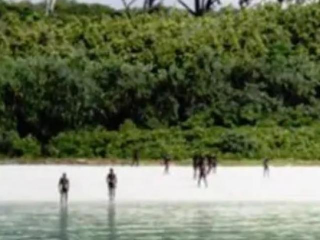 Bộ lạc nguyên thủy giết thanh niên Mỹ: Đối mặt căng thẳng với cảnh sát