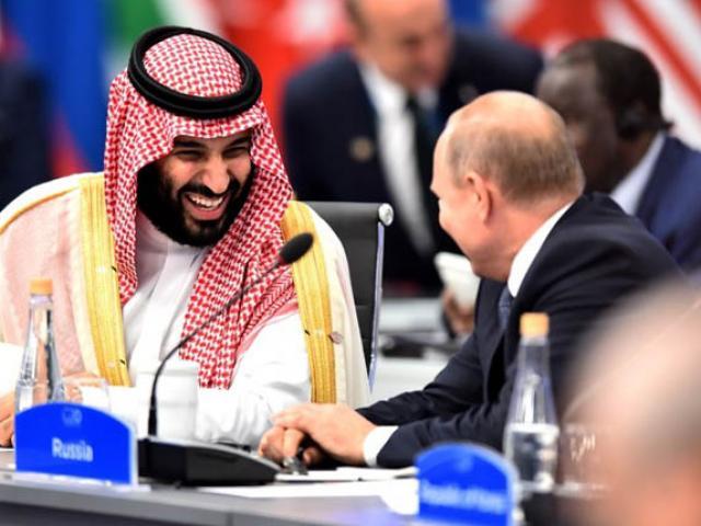 """Tổng thống Nga """"đập tay cao"""" với Thái tử Saudi khiến thế giới ngước nhìn"""