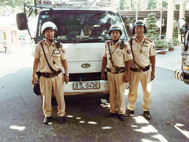 Trộm xe tải ở Bà Rịa – Vũng Tàu chạy lên TP.HCM, tài xế đụng ngay cảnh sát