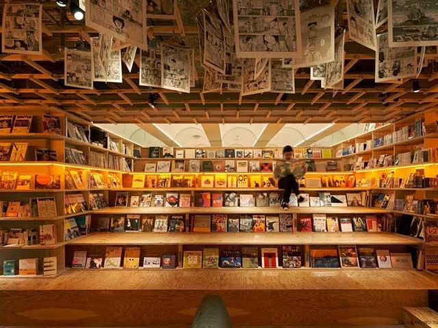 Ngủ giữa hàng nghìn cuốn sách trong khách sạn độc đáo bậc nhất Nhật Bản