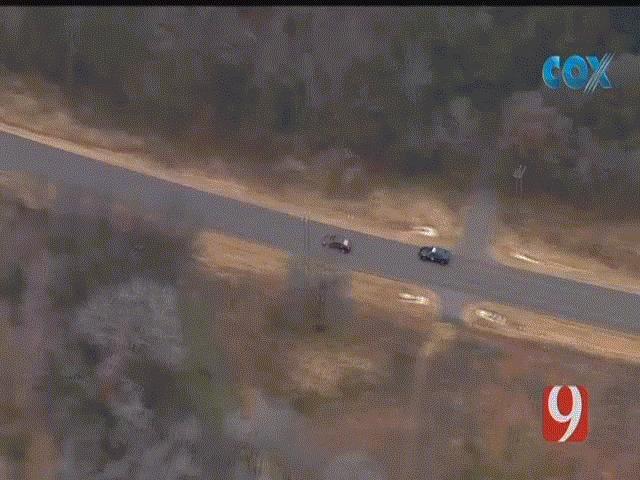 Video cảnh sát Mỹ rượt đuổi nghi phạm như phim, kết thúc bằng cú lộn xe kinh hoàng