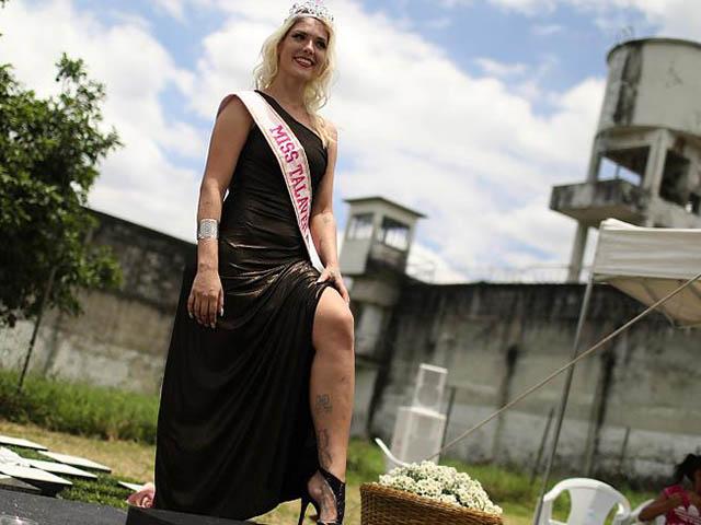 Ngắm nhan sắc nữ tù nhân đoạt vương miện hoa hậu nhà tù ở Brazil