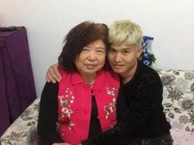 """Sốc với tình yêu """"bà - cháu"""" của cặp đôi người Trung Quốc"""