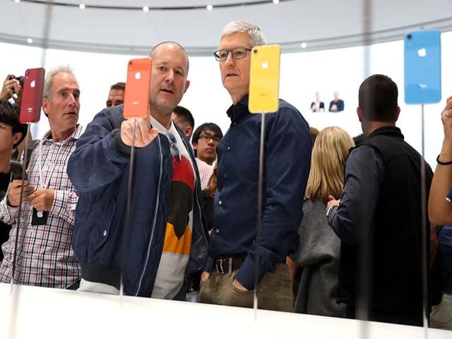 """Mặc dù giá rẻ nhưng iPhone XR còn """"bám gót'"""" iPhone XS dài dài"""