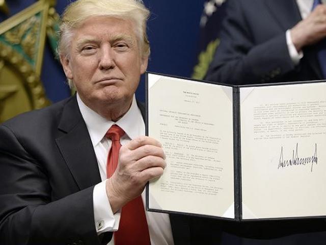 Nước Mỹ 'dậy sóng' trước quyết định rút quân khỏi Syria của ông Trump