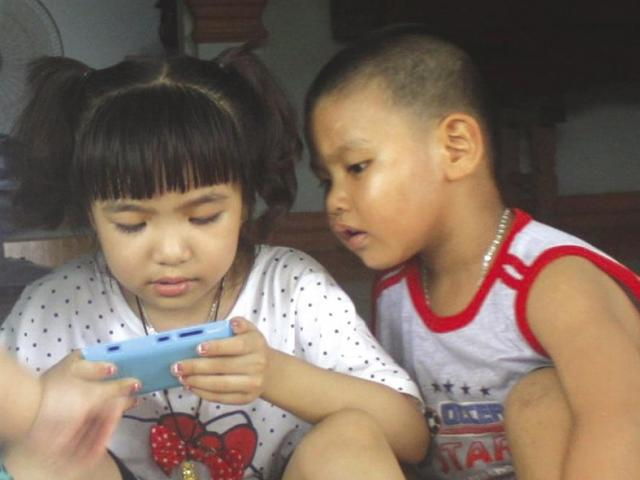 Những thói quen làm giảm trí thông minh của trẻ
