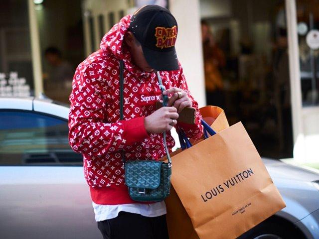Chàng trai hội con nhà giàu Việt ra đường với bộ đồ 3 tỉ đồng gây xôn xao