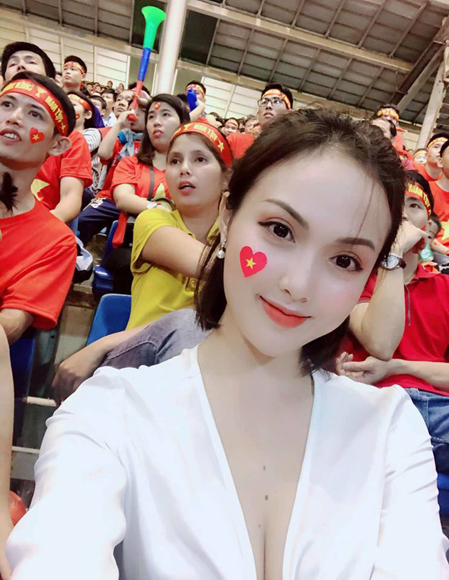 4 nu fan girl goi cam noi nhu con suot mua bong da 2018 hinh anh 6