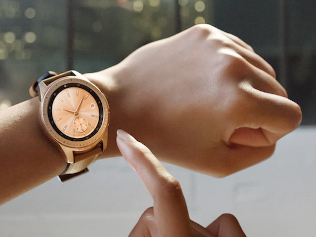 Đồng hồ thông minh Galaxy Watch đã lên kệ tại VN, giá từ 6,99 triệu đồng
