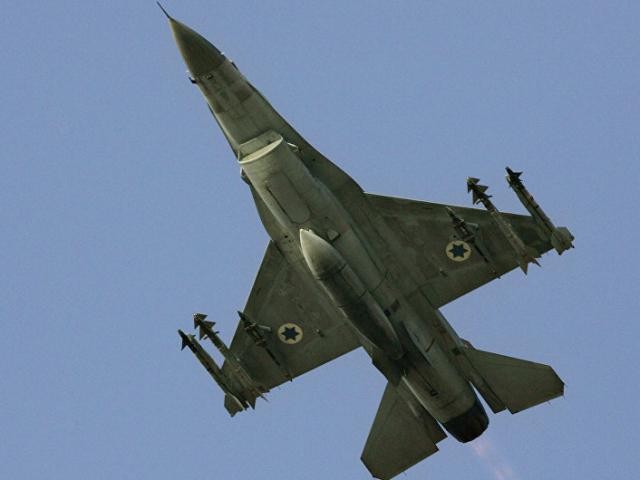 Vì sao chiến đấu cơ Israel nấp sau máy bay dân sự khi nã tên lửa Syria?