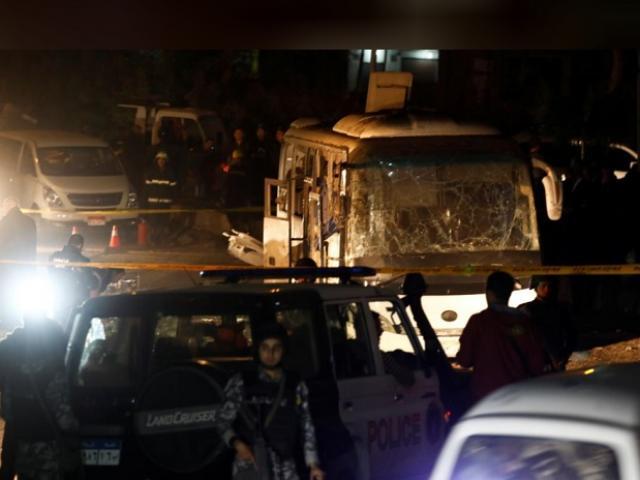 Xe chở du khách Việt bị đánh bom đẫm máu ở Ai Cập, 12 người thương vong