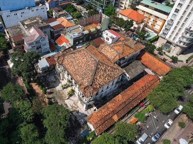 Hé lộ bí ẩn đằng sau những bức tranh trong biệt thự cổ 35 triệu USD ở Sài Gòn