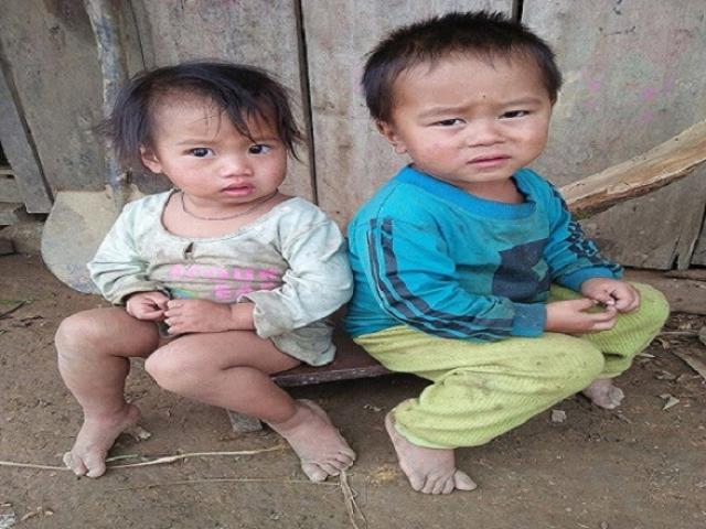 Ảnh: Người vùng cao Sơn La co ro trong giá rét khủng khiếp