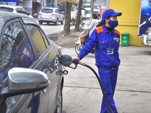 Giá dầu thế giới giảm nhẹ, giá xăng trong nước tăng 1.000 đồng/lít