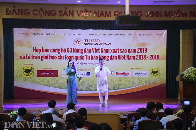 anh: toan canh le trao giai bao chi toan quoc thndvn 2018 - 2019 hinh anh 2