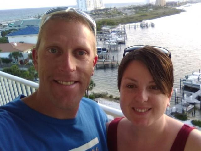 Mỹ: Bay 7.200km đến gây bất ngờ dịp sinh nhật bố vợ, không ngờ bị bắn chết tại chỗ