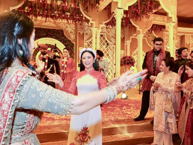 Ngọc Hân, Phương Nga dự đám cưới xa hoa của con gái đại gia Ấn Độ